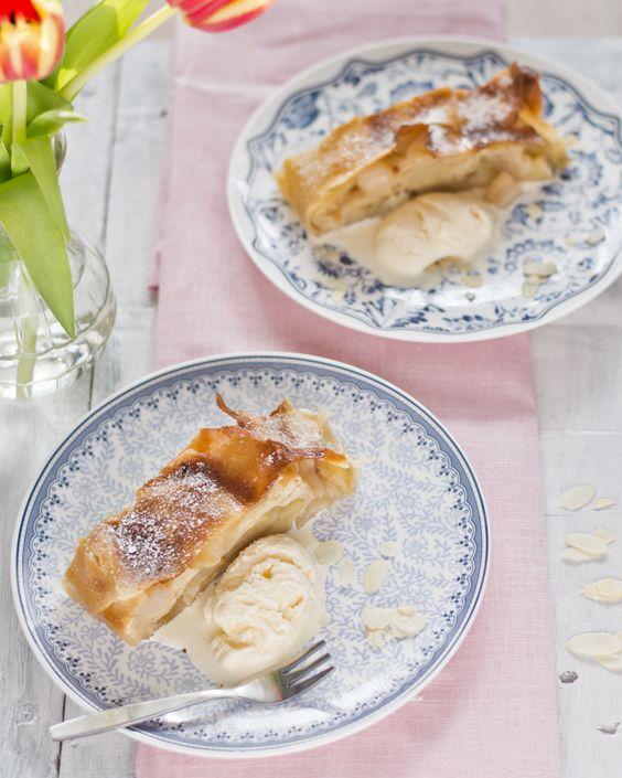 Kuchenne Szaleństwa: Strudel z gruszkami i jabłkami