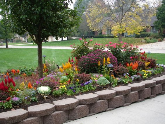 Cheap and easy landscaping ideas the bungalow gets grass for Flower designs for yards