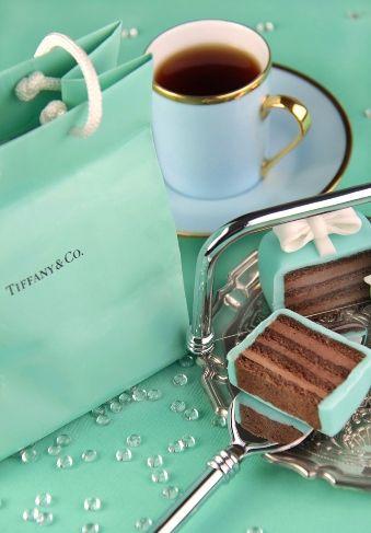 Breakfast at Tiffany's coffee & mini cakes