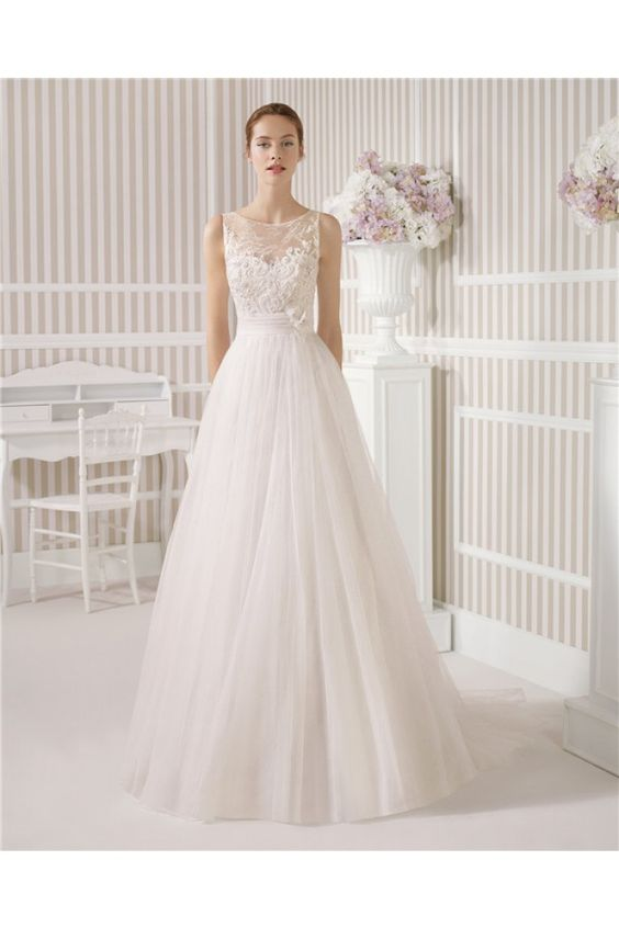 A Line Princess Illusion Boat Neck See Through Back Tulle Lace Wedding Dress Buttons Flowers