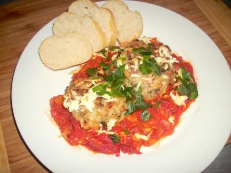 Reis-Frikadellen in scharfer Tomatensauce #Rezept