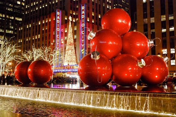 ניו יורק. בתפוח הגדול יש חגיגה של אורות בחג המולדחגיגה של אורות: מקומות מומלצים לבלות בחג המולד