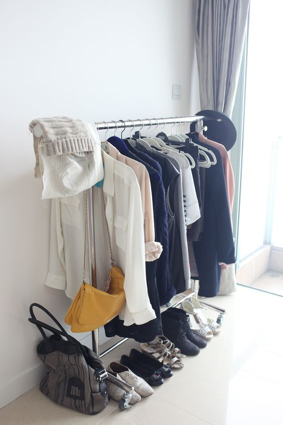 15 piece capsule wardrobe for 30 day challenge - S.S.