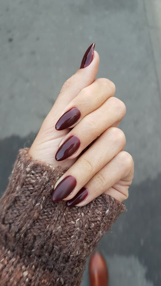 Love this nail color for autumn 😍 burgundy, elegant, feisty, almond shaped nails, 2017 autumn