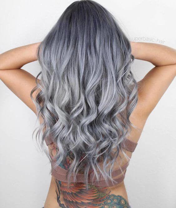 25 Silber Haarfarbe Sieht Absolut Herrlich Aus Frauen Blog Silver Hair Color Grey Hair Wig Bleached Hair