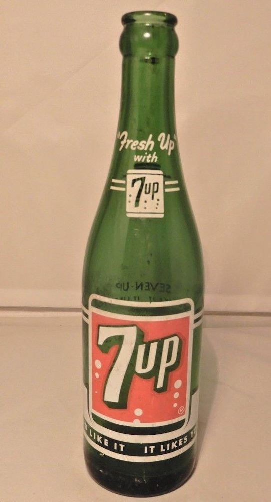Lit Of 2 7-Up Advertising Pins Cherry 7-Up It's Cool To Be Clear