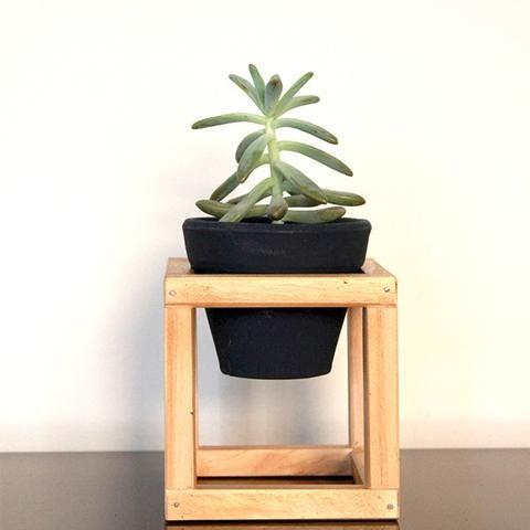 Suporte de madeira + vaso de cerâmica Nº1