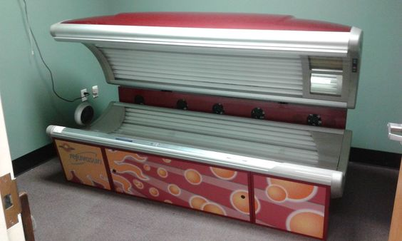 Tanning Bed Wolff The Rejuvasun 332 With LED therapy  Low Hours On Bed  Yr 2006…
