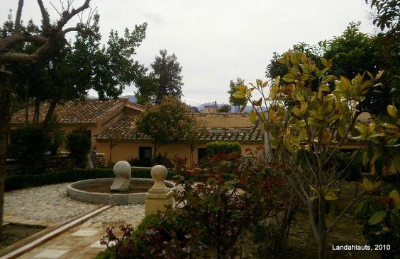 Carmen Del Aljibe Del Rey House Styles High Walls Vegetation