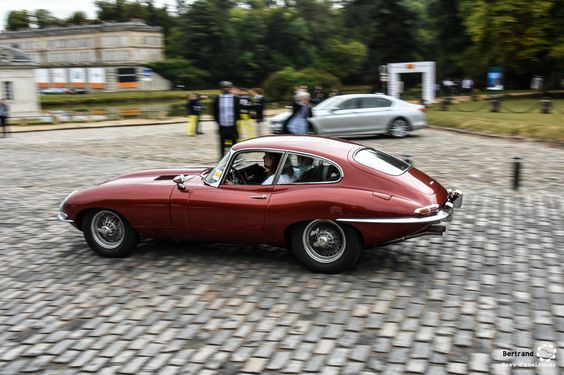 Jaguar Type E à Chantilly Arts et Elegance #MoteuràSouvenirs Reportage…