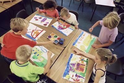 Qué es lo que el arte enseña a los niños | eHow en Español