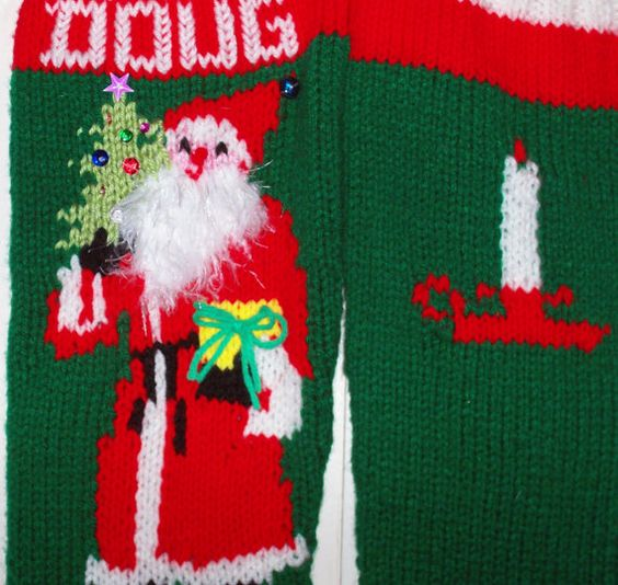 Hand knit christmas stocking old fashioned santa for Fashion christmas stockings