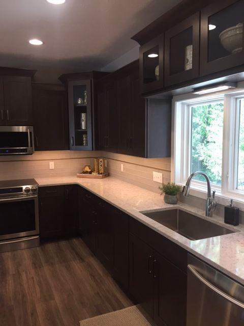 This Warm Diamond Kitchen Bath Remodel Was Completed By Lowe S Designer Anne Lopez This Transitional Kitchen Design Small Kitchen Design Home Decor Kitchen
