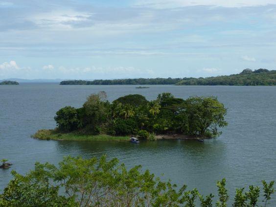 Solentiname, sur le lac du Nicaragua (lac Cocibolca) A ne pas manquer ! des îles magnifiques !  tout savoir ! ici --> san carlos, Nicaragua http://www.latoufdelajument.com/?p=2656