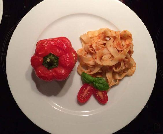 Rezept Peperoni ripieni con pollo - Gefüllte Paprika mit Hühnchen - All in one von Schirmle - Rezept der Kategorie Hauptgerichte mit Fleisch