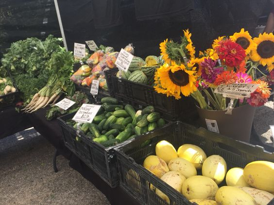 Boy, natures offerings can look so gorgeous!  The Barton Creek farmers market has such great offerings!