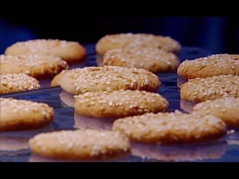 ديما حجاوي تحضر كوكيز الطحينة والسمسم Youtube Desserts Food Cookies