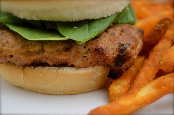Dinner In 30: The MOST flavorful, juicy grilled turkey burger recipe