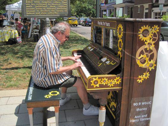 Pianos de la calle - Página 2 897cac716e894e534a2dfec1a27cad2c
