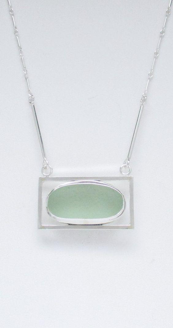 Das Seafoam Meer Glas ist echt. Es wurde gefunden und von... https://www.etsy.com/shop/ARTISANNE geliefert und keine hintere Blende festgelegt. Der Anhänger ist aus quadratischen Sterling silber Draht handgefertigt. Er misst 1 7/8 x 3/4 Zoll. Die Kette ist aus Sterling silber Rohr handgefertigt und produziert Pfund Sterling Bar & Gliederkette. Es ist 22 1/2 Zoll in der Länge.  GN1337