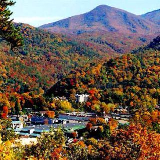 GATLINBURG-this is what it will look like when we go for Thanksgiving. Can't wait.