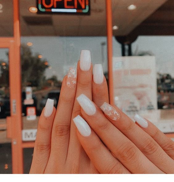 White Nail Art For Winter Chicladies Uk In 2020 Simple Acrylic Nails Best Acrylic Nails Short Acrylic Nails Designs