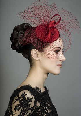 R1367 - Red silk taffeta pillbox with face veil and choux
