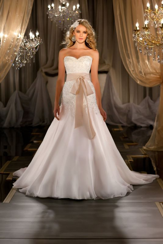 gorgeous dress without the sash though.