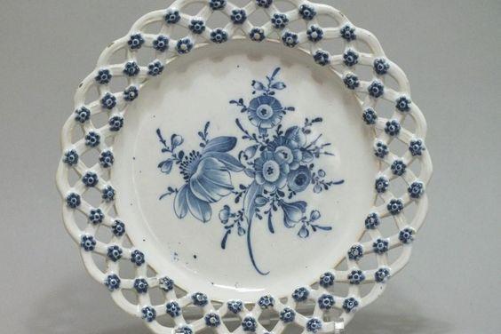 Marieberg (suéde) - Assiette à Bordure Ajourée - XVIIIe Siècle, Bils Ceramiques, Proantic