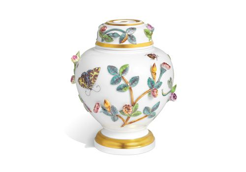 http://www.meissen-jp.com/assets/images/products/2013limited/82382_908884/2.jpg
