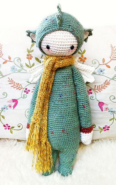 """DIRK"" by Lydia Tresselt. That is the cutest softie by far!"