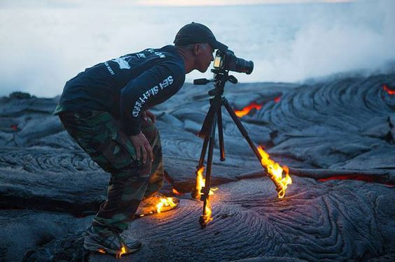 Crazy Photos Of Photographers Who Will Do Whatsoever For The Perfect Shot02