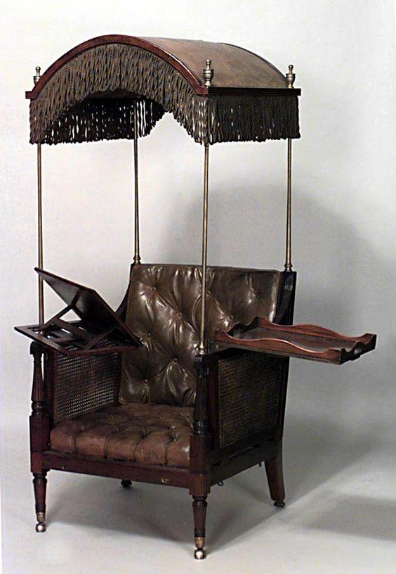 Inglês estilo Regency (Cent 19th) de mogno cadeira de braço biblioteca com capuz com apego chaise ajustável e almofada de couro.  E, uma bandeja para refrescos: