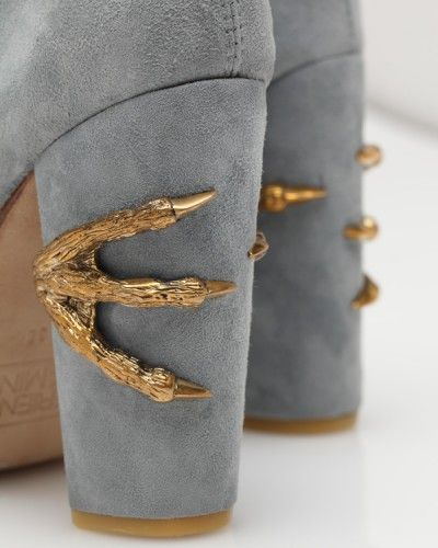 Claw Boot.