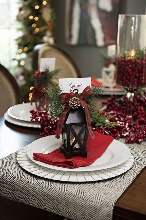 15 Hottest Christmas Table Decorating Ideas For You 3 Remajacantik Christmas Decorations Dinner Table Christmas Dinner Table Elegant Christmas Party