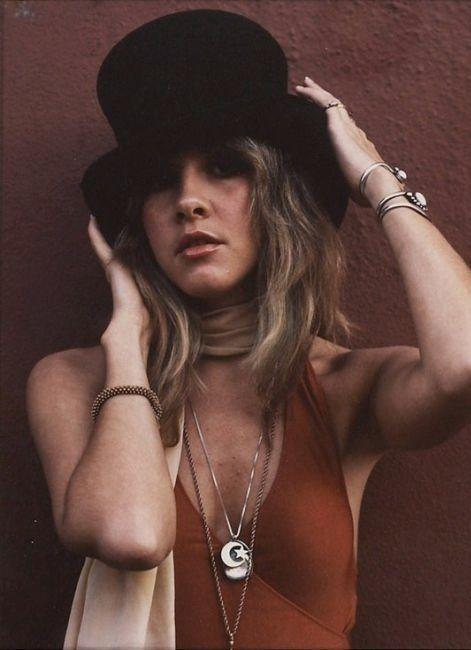Stevie Nicks. cosmic hippie mama with style.