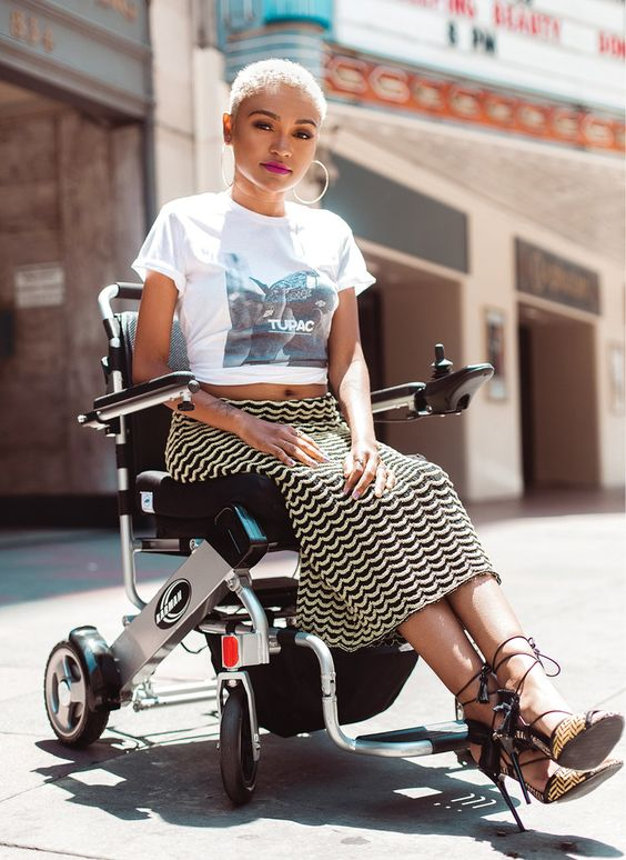 """Influencer Lolo Spencer Wants to """"Represent Disability in a Fun, Fly and Sexy Way"""""""