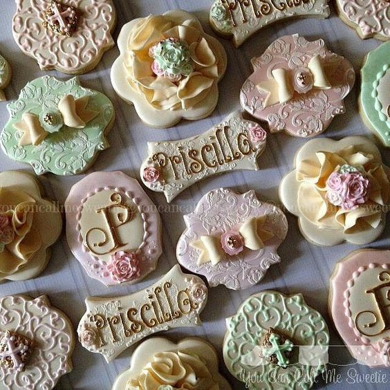 """""""Our teachers are SO TALENTED!!! Check out these gorgeous cookies from one of our teachers (and Cookier of the Year!!!) You Can Call Me Sweetie!!…"""""""