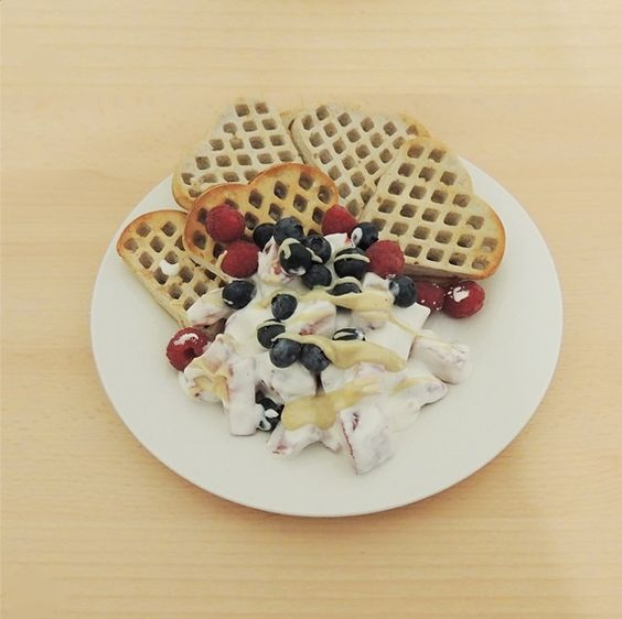 waffles with homemade almond butter and fruit curd cheese #waffles #breakfast #breakfastporn #fruits #blueberries #raspberries #strawberry #yogurt #almondbutter #fitfood #protein #onewhey #fitgirl #fitnesslifestyle #fitfood #cleanfood #cleaneating #eatclean #eathealthybefit #fitness #workout #weightloss #weightlossjourney #missigoesfit #i4fitchallenge #followme #sizezeroarmy #foodlover