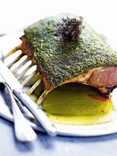 Lamsrack met kruidenkorstje. larousse gastronomique