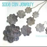 Linked to: www.mellywoodsmansion.com/2013/07/soda-can-jewelry.html