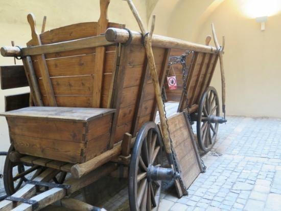 Reconstruction of a Hussite war wagon