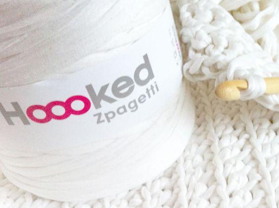 Amalie Loves Denmark: Badezimmerteppich Aus Zpagetti Garn
