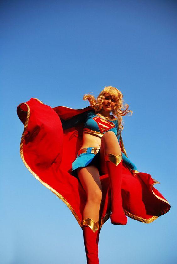 supergirl_cosplays_05