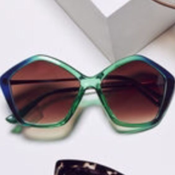 ISO these green bcbg sunglasses. NOT FOR SALE Tag me if you see them! Willing to pay $55 for them! BCBG Accessories Sunglasses