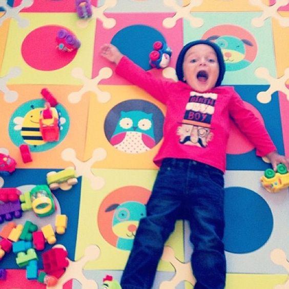 """alfombras para habitación de niños seguras y homologadas. www.nikidom.com  """"Yayy for Fridays!!!"""""""