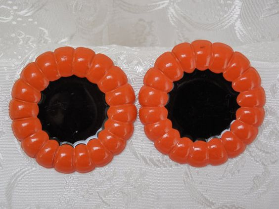 80s Vintage Earrings Orange & Black by KKCollectibleCollage, $3.50 https://www.etsy.com/listing/158877818/80s-vintage-earrings-orange-black