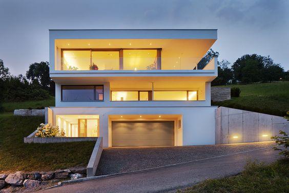 Einfamilienhaus #Hanghaus #Klaus modern #Edelstahlpool# luxushaus - geometrische formen farben modernes haus