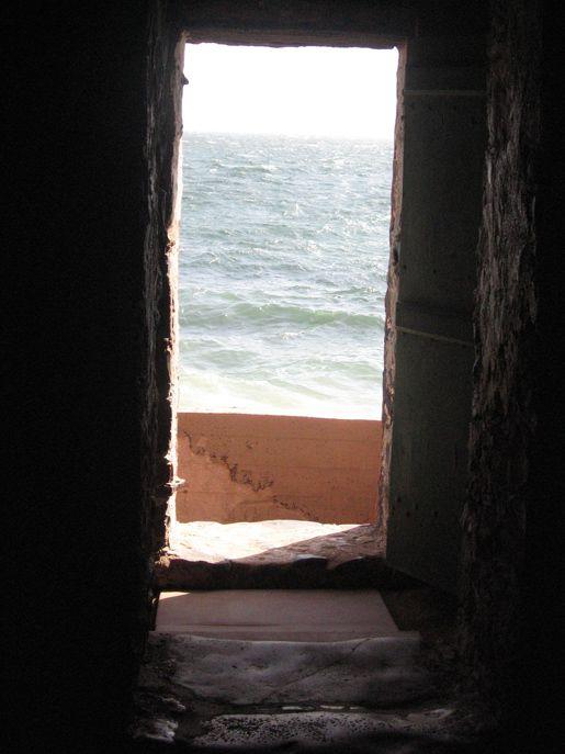 Door of no return goree island senegal this left me for Door of no return