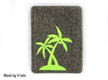 #Reisepasshülle aus grauem 2 mm dickem #Wollfilz  gelb-grüne aufgeflockte #Palmen auf der Vorderseite  passend für den europäischen Reisepass